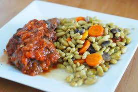 cuisiner des flageolets rôti de boeuf à la sauce tomate flageolets carottes et chignons