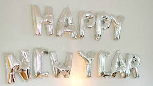 New Year S Eve Decorations To Make by Gorgeous Last Minute New Year U0027s Eve Decorations Stylecaster