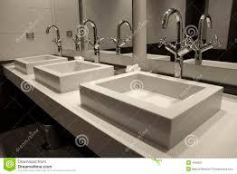salle de bain luxe salle de bains de luxe moderne photographie stock libre de droits