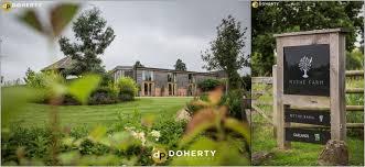 Mythe Barn Wedding Prices Wedding Photography Mythe Barn Charlotte And Chris Doherty