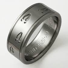 mens titanium wedding bands durango 1 titanium ring with animal tracks titanium wedding