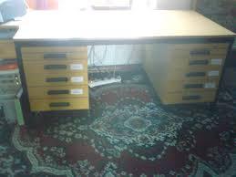 Schreibtisch Dunkelbraun Massiv Vollblut Stkm 163 Cm Dunkelbraun In Strameuß Tiere Kleinanzeigen