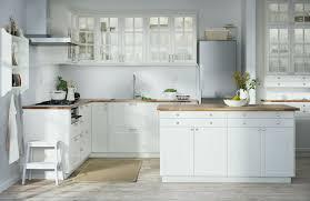 cuisine en ilot central meuble ilot central cuisine unique conception cuisine but simple