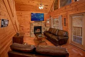 Bedroom Surround Sound by 5 Bedroom Luxury Cabin Rental Close To Dollywood Pool Access