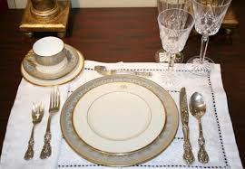 Casual Table Setting Navyblueshoe Wednesday Decor Guest Post Setting Your Table For