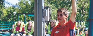How Old To Work At Six Flags Fun Jobs At Carowinds Search Park Jobs And Apply Online Now
