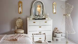 chambre feminine chambre féminine mobilier décoration mobilier accessoires westwing