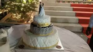 buy wedding cake where do you buy a wedding cake quora