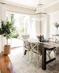 dining room fixture 10 stylish chandeliers instantly update dining room