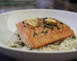 cuisiner vermicelle de riz recette vermicelles de riz aux légumes de printemps et au saumon en