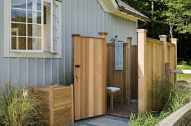 Outdoor Pool Showers - 10 reasons to love outdoor showers