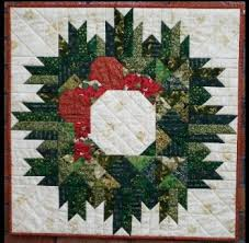 quilted christmas christmas wreath quilt wreaths patterns and mini quilts