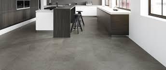 vinylboden für küche haupteinsatzgebiete eines vinylbodens sind nicht nur öffentlich