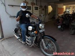 review prince u0027s 45kmpl 18 000 kms royal enfield classic 350 black