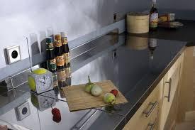 table de travail cuisine plan travail cuisine et évier les 6 erreurs à éviter côté maison