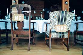 his and hers wedding chairs mr and mrs wedding chairs stock photo b698e94b c8a7 434d a3ef