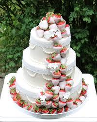 weiße hochzeitstorte mit erdbeeren barbara aletter patisserie - Hochzeitstorte Erdbeeren