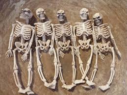 Miniature Halloween Ornaments by 5 Miniature Plastic Skeleton Toys Skeletons Halloween Decor