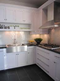 Shaker Kitchen Cabinet by White Shaker Kitchen Cabinets Grey Floor Deductour Com