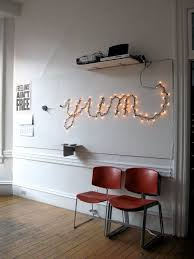 make your own light up sign use lights to make your own wall sign http www redinkhomes