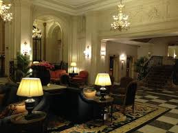 canap entr e coin canapé du d entrée photo de hotel le plaza bruxelles