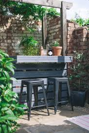 Home Design 3d Outdoor And Garden Tutorial by Best 25 Garden Bar Ideas On Pinterest Bbq Table Pallet Garden