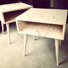 Plans For A Simple End Table by Best 25 Diy Nightstand Ideas On Pinterest Crate Nightstand