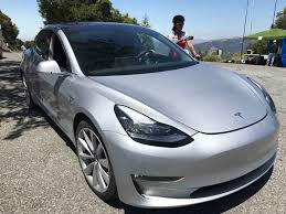 only early buyers of tesla model 3 can choose exterior colour and