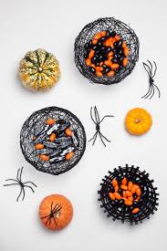 scary halloween candy bowl halloween diy spiderweb bowls u2013 design sponge