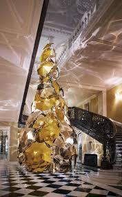 claridge u0027s burberry tree design trends at christmas 2015 luxxu