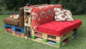 pallet outdoor reading corner bench 1001 gardens