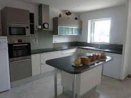 cuisine blanche et grise beautiful cuisine noir et blanc et bois pictures design trends