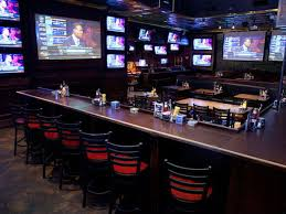 where to watch college and nfl football in dallas