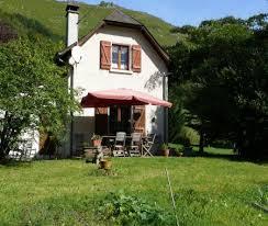 chambres d hotes pyrenees atlantiques 64 bienvenue chez sylvie maison entourée de à haux