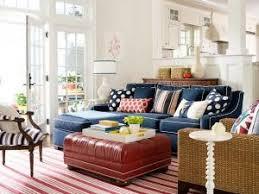 déco coussin canapé canapé bleu et coussins à pois blancs par dekobook