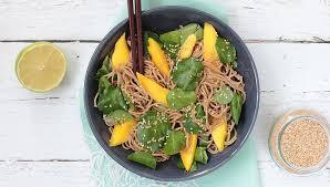 comment cuisiner le cresson nouilles soba au cresson et à la mangue la table verte