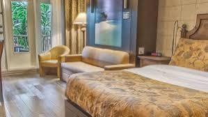 les types de chambres dans un hotel suite hôtel québec à 3 grands lits et foyer 14 l hôtel québec