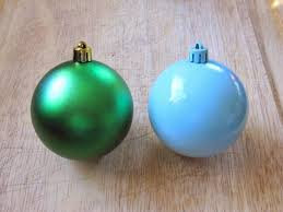 sew many ways spray painting ornaments to new