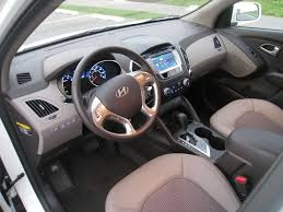 2011 hyundai tucson interior review 2010 hyundai tucson gls awd autosavant autosavant