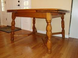 Maple Dining Room Table And Chairs 34 Best Willett Images On Pinterest Maple Furniture Bear And