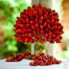edible fruit arrangements chicago strawberry bouquet gorgeous would look great sitting next to a