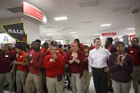 target red card black friday early target shoppers nationwide score doorbusters as black friday gets