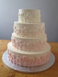 lovable budget wedding cakes wedding cake budget wedding cakes