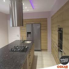 ilot central dans cuisine cuisine bois moderne en l avec ilot central dans une pièce tout en