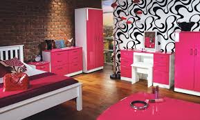 Black Gloss Bedroom Furniture Uk If You Are Going To Design Your Bedroom It Is A Idea To