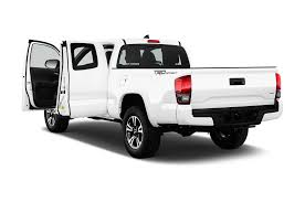 cars com toyota tacoma toyota tacoma reviews research used models motor trend