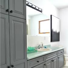 a budget friendly bathroom makeover using paint dans le lakehouse
