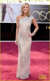 robin roberts u0026 lara spencer oscars 2013 red carpet photo