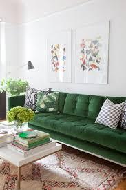canapé vert mettez un canapé vert et personnalisez l intérieur archzine fr