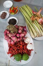 cuisine re how to southern curry paste ว ธ ทำเคร องแกงเผ ดใต